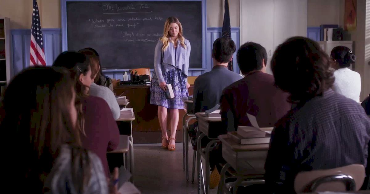 Pretty Little Liars - Check Out Alison's Dramatic Return to School In This Episode 8 Sneak Peek! - 1005