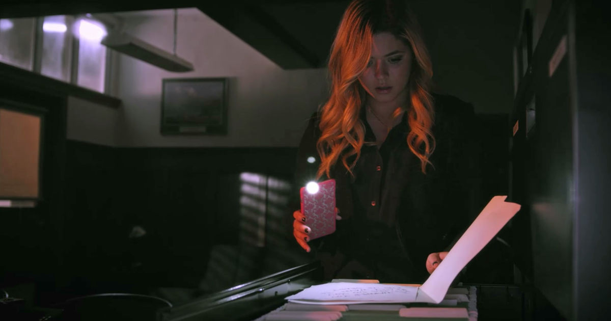 Pretty Little Liars - Your Official Recap for Season 7 Episode 8: Exes And OMGs - 1011