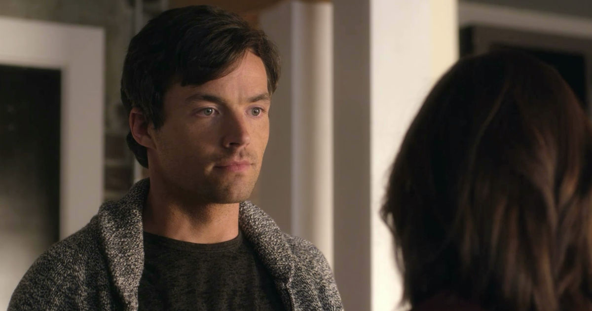 Pretty Little Liars - Your Official Recap for Season 7 Episode 8: Exes And OMGs - 1002