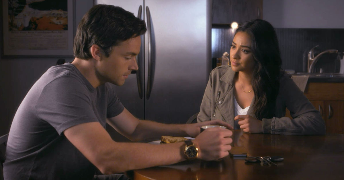 Pretty Little Liars - Your Official Recap for Season 7 Episode 8: Exes And OMGs - 1006