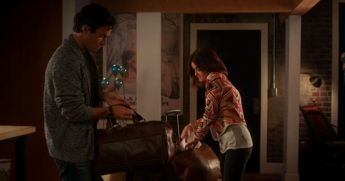 Pretty Little Liars - Nicole Isn't Coming Home So Can Ezria Just Say 'I Do' Already?! - 1012