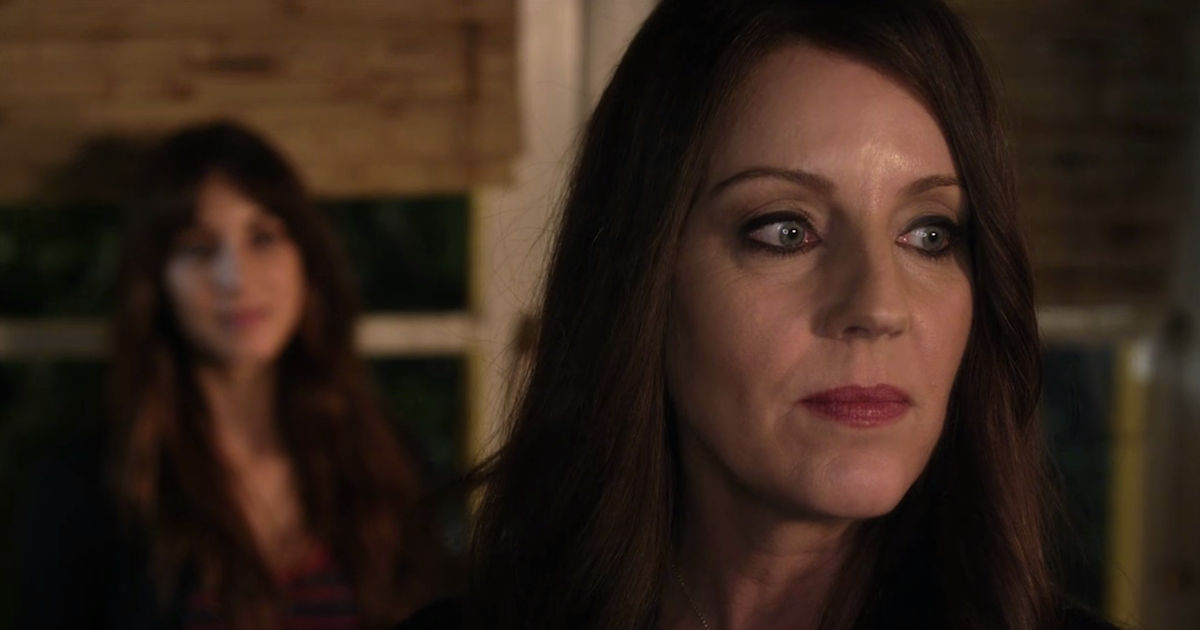 Pretty Little Liars - Can You Believe Spencer Is Mary Drake's Daughter?! - 1001