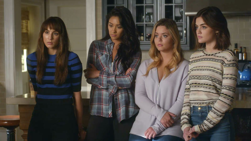 Pretty Little Liars - LIVE NOW! The PLL Finale Is Here! Watch All The Jaw-Dropping Action With Us Now! - Thumb