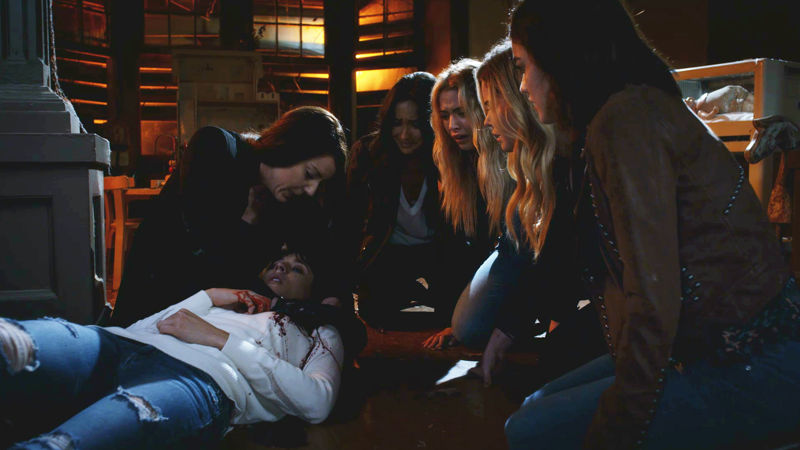 Pretty Little Liars - Your Official Recap For The Summer Finale: The Darkest Knight - Thumb