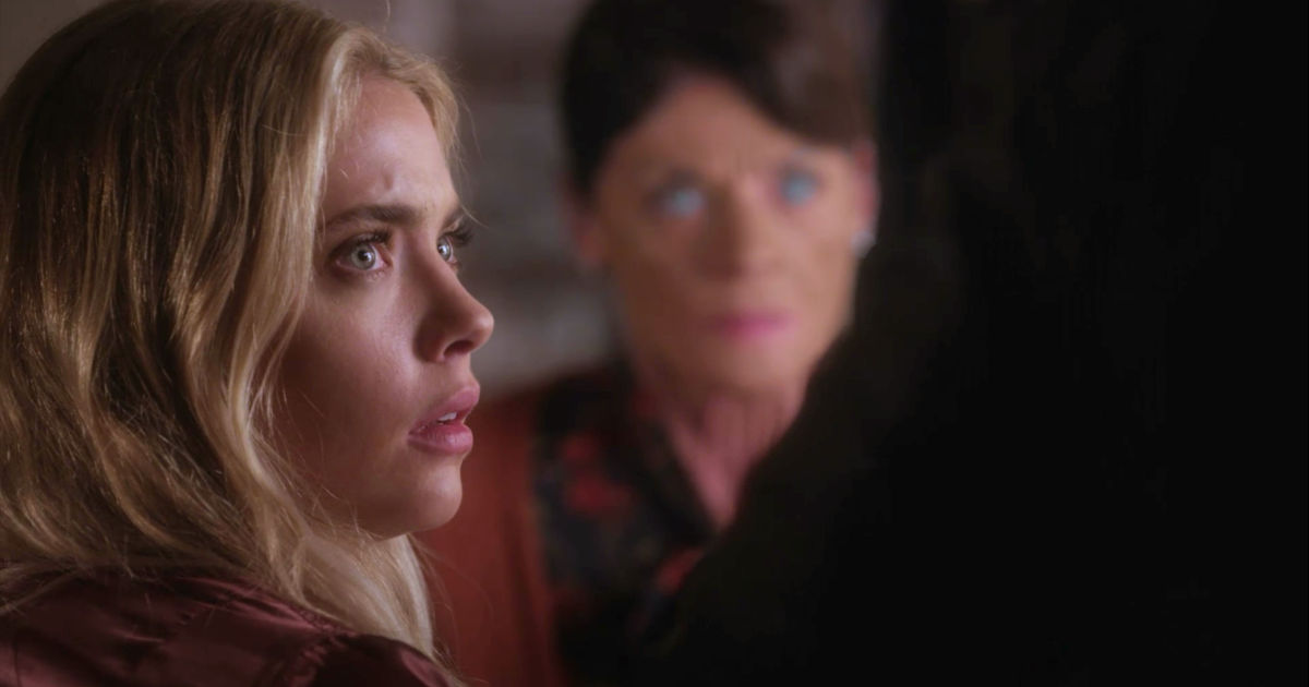 Pretty Little Liars - Season 7s Smiling Assassins Shocked Us All In The Summer Finale! - 1018