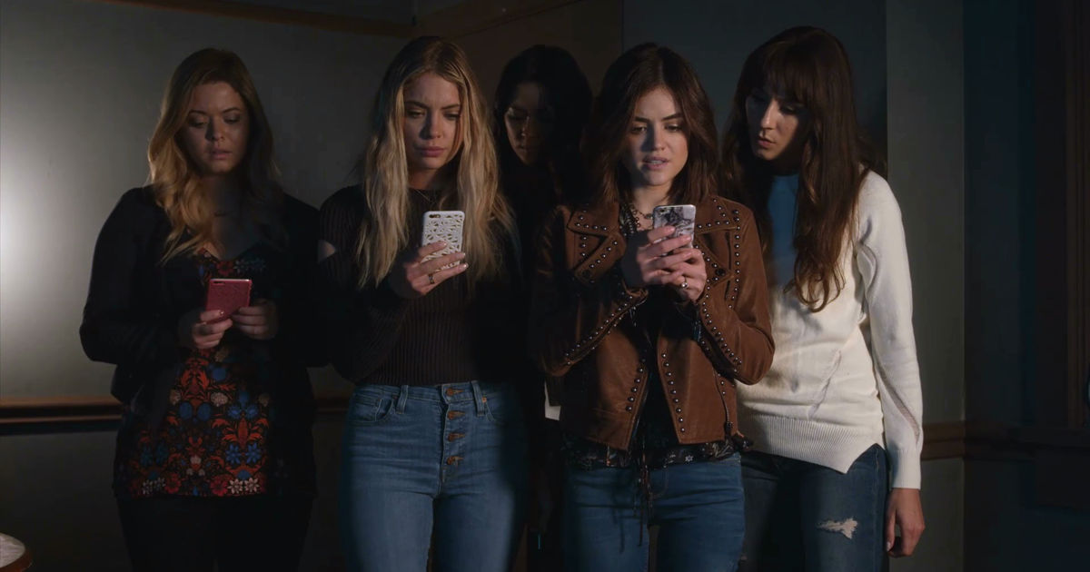 Pretty Little Liars - Season 7s Smiling Assassins Shocked Us All In The Summer Finale! - 1027