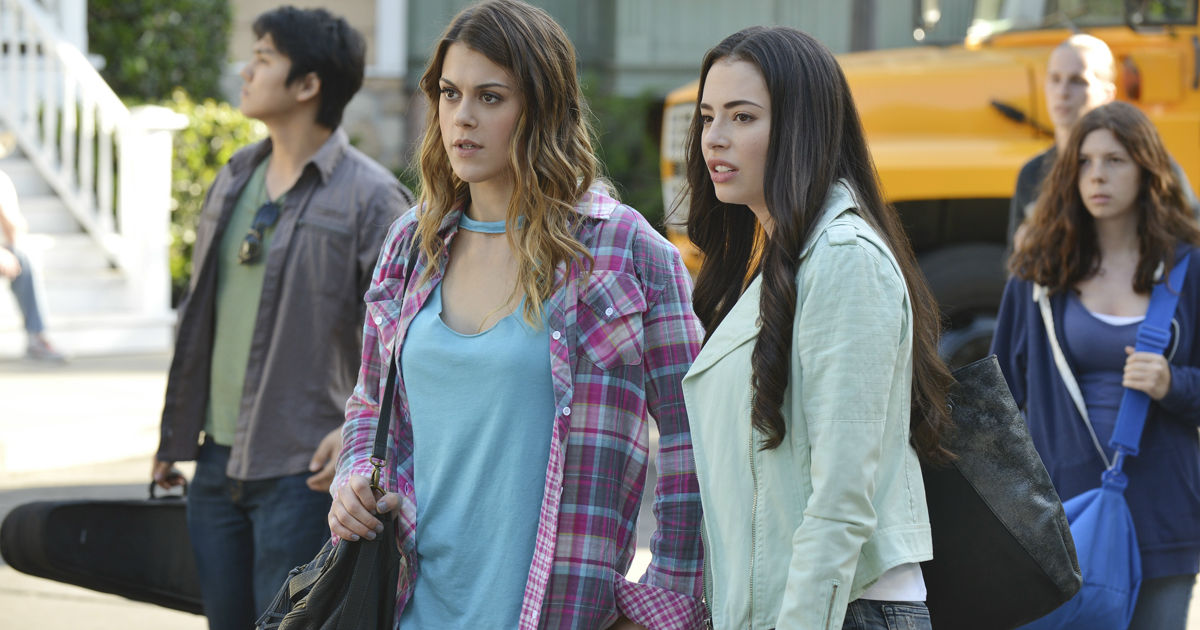 Pretty Little Liars - What Does Sydney's Return Mean For The Liars? - 1004