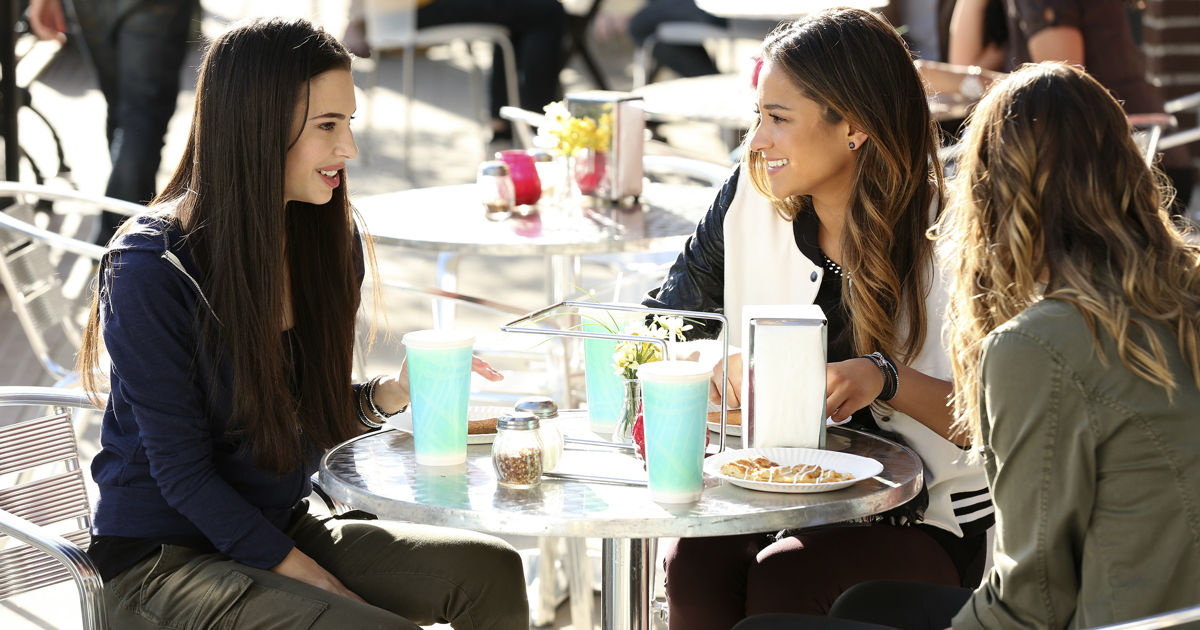 Pretty Little Liars - What Does Sydney's Return Mean For The Liars? - 1003