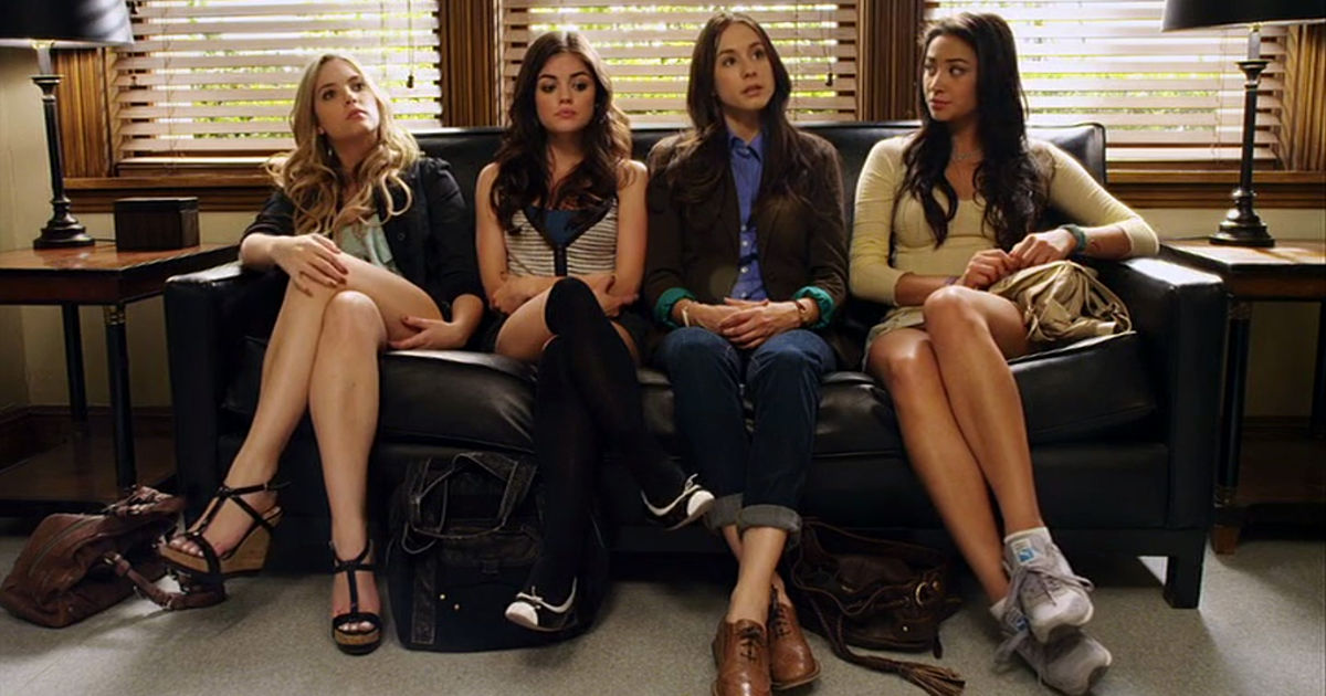 Pretty Little Liars - 10 Things The Liars Were Dealing With Alongside Alison's Investigation In Season 1 - 1001
