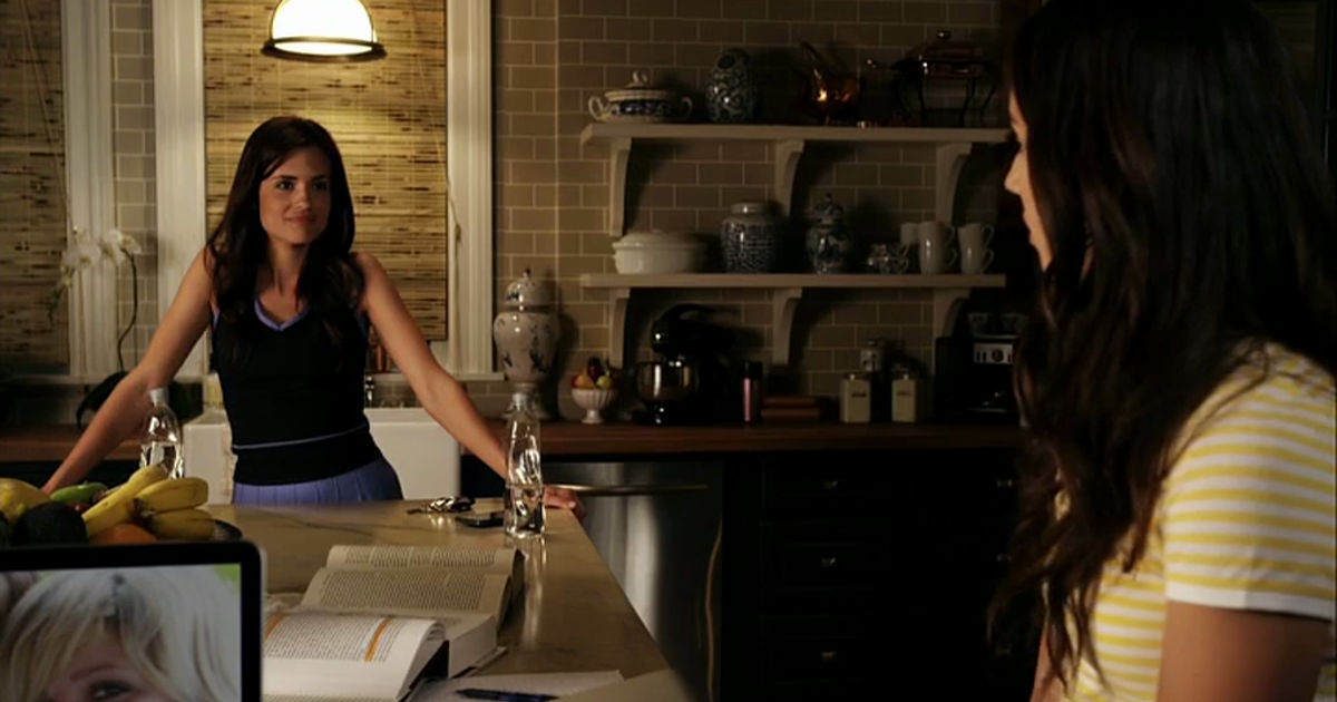 Pretty Little Liars - 10 Things The Liars Were Dealing With Alongside Alison's Investigation In Season 1 - 1005