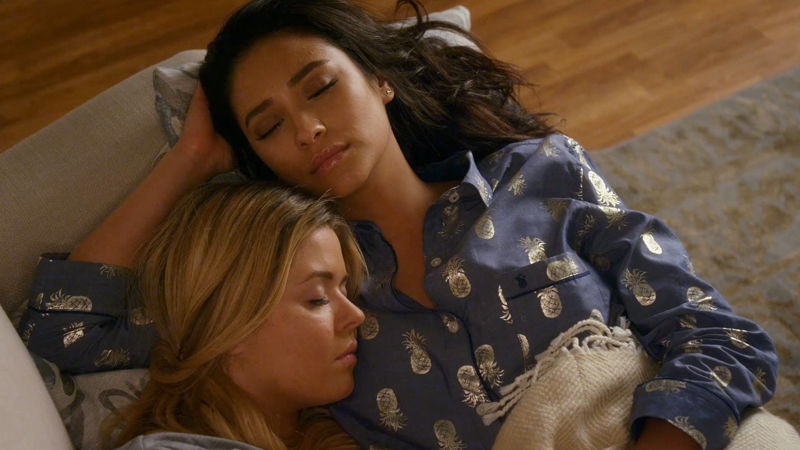Pretty Little Liars - Catch Up With All The Emison Highs and Lows From Season 7A Right Here!  - Thumb
