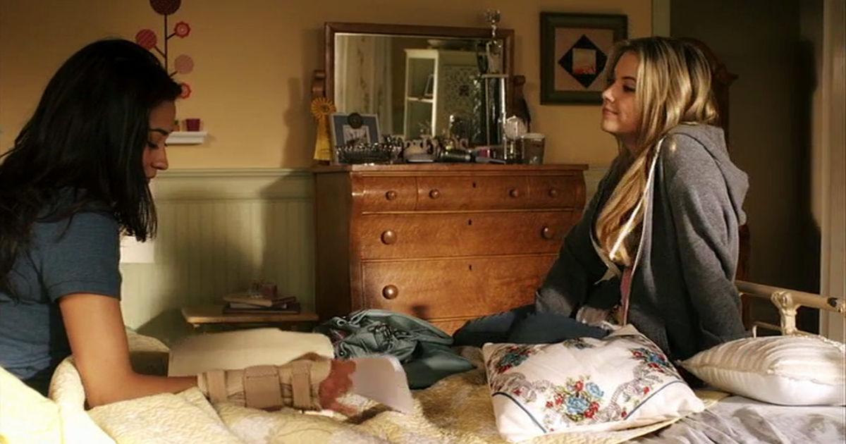Pretty Little Liars - 17 Reasons The Pretty Little Liars Were #FriendshipGoals In Season 1! - 1008