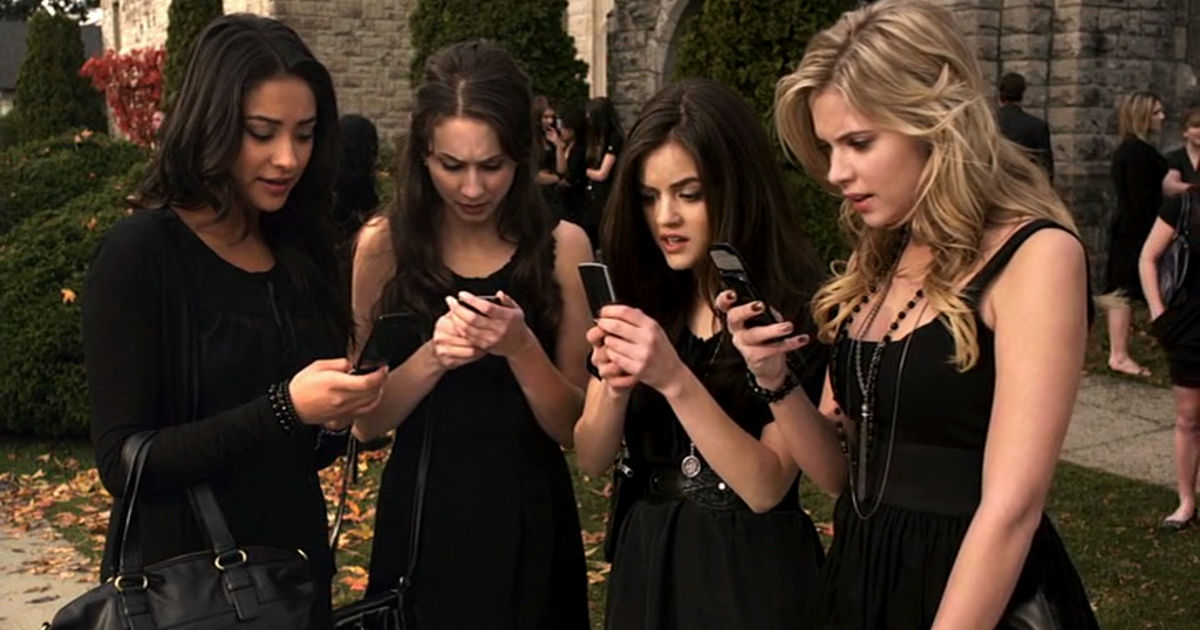 Pretty Little Liars - How Did 'A' Know Everything About The Liars In Season 1?! - 1013