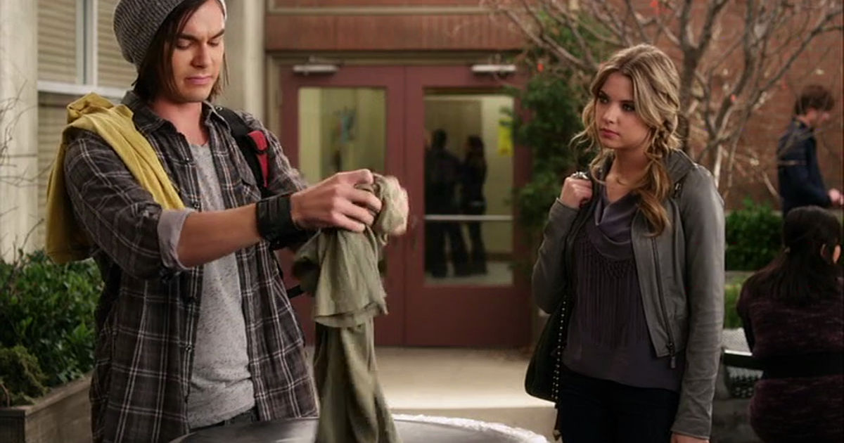 Pretty Little Liars - 10 Times Hanna Was Caleb's TOTAL Savior In Season 1 Of PLL!  - 1004