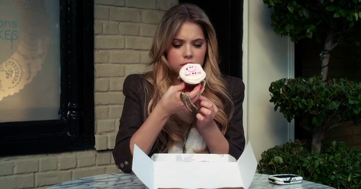 Pretty Little Liars - How Did 'A' Know Everything About The Liars In Season 1?! - 1012