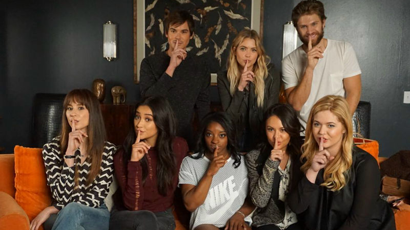 Pretty Little Liars - Simone Biles Visited The PLL Set And It Was Everything! Catch Up Right Here!  - Thumb