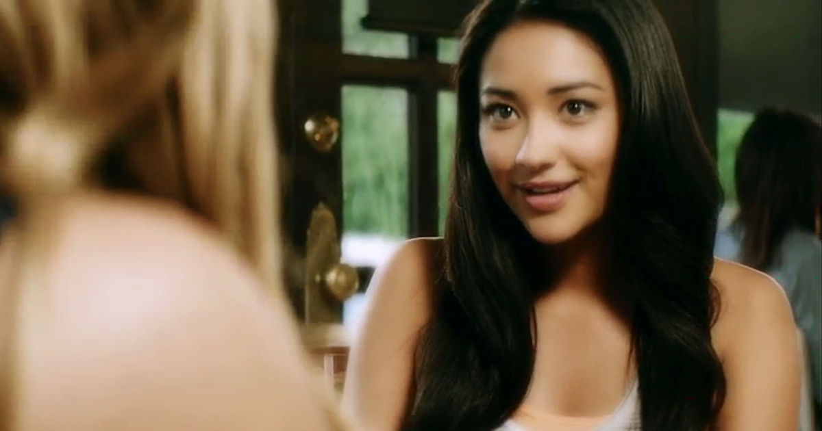Pretty Little Liars - Emily Was All Of Us Learning To be Our True Selves In Season 1 - 1001