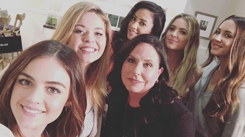 Pretty Little Liars - I. Marlene King Has Been Teasing Us With Super Exciting Lines From The PLL Finale! - Thumb