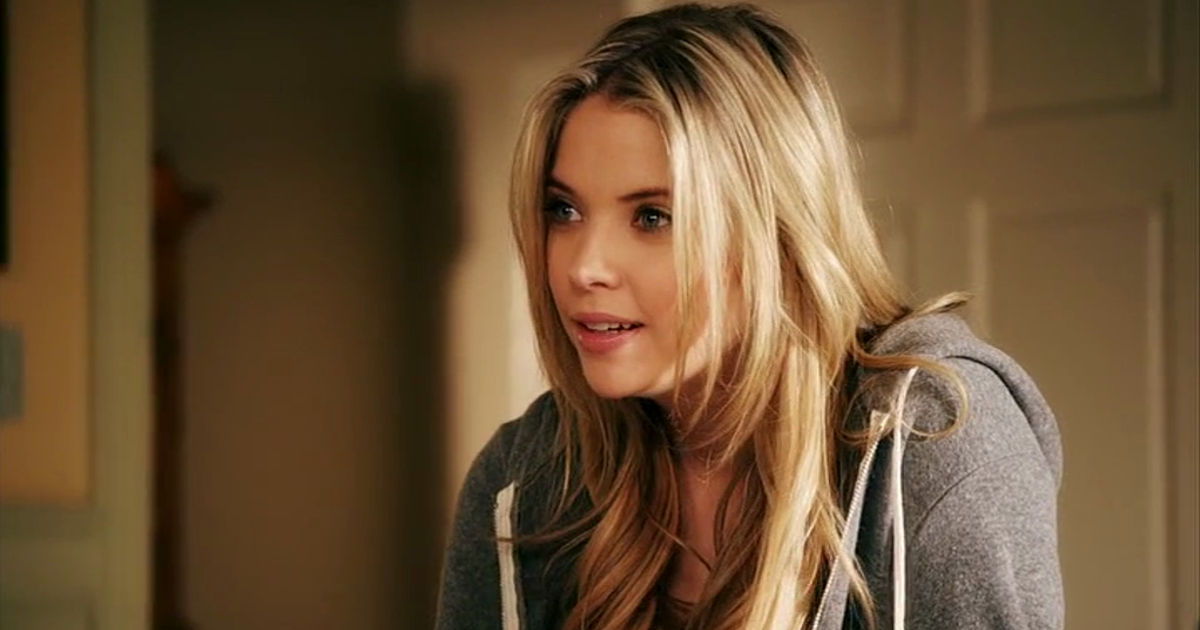 Pretty Little Liars - Emily Was All Of Us Learning To be Our True Selves In Season 1 - 1005