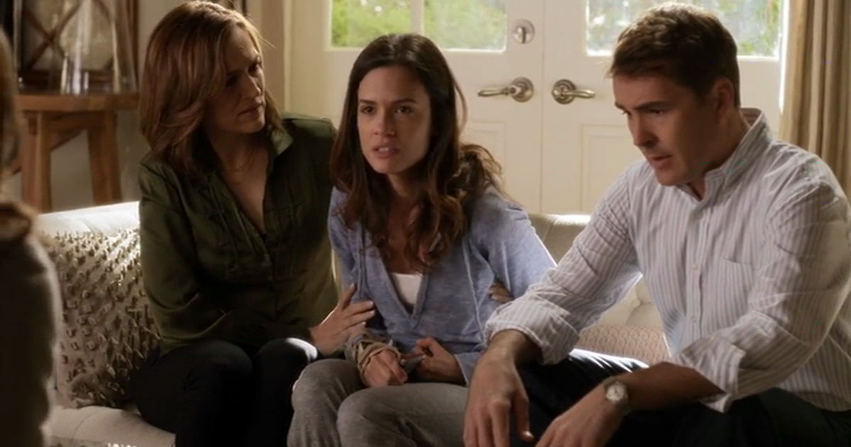 Pretty Little Liars - The Tumultuous Story Of The Hastings Sisters During Ian's Disappearance In Season 2 - 1002
