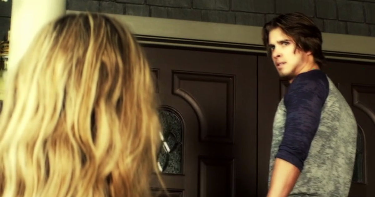 Pretty Little Liars - Remember Jason's Return In Season 2? We All Thought He Was Behind Alison's Murder! - 1004