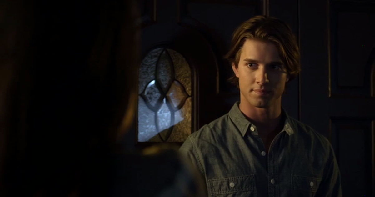 Pretty Little Liars - Remember Jason's Return In Season 2? We All Thought He Was Behind Alison's Murder! - 1003