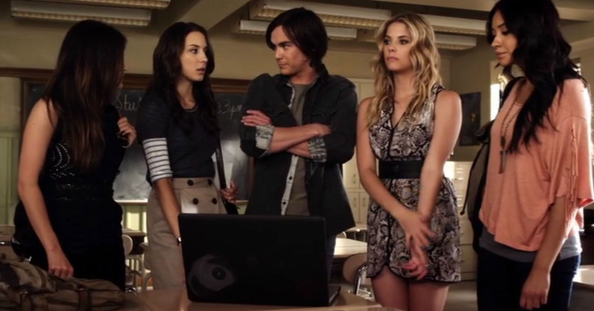 Pretty Little Liars - 9 Times Caleb Was A Complete Hero And Helped The Liars Without Knowing Why! - 1003