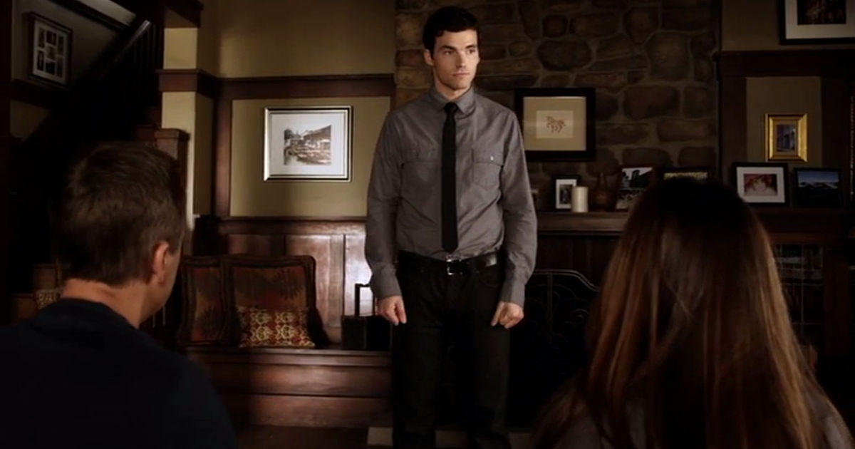 Pretty Little Liars - 12 Times The Liars Weren't The Only Ones Who Fell For The PLL Boys In Season 2 - 1006