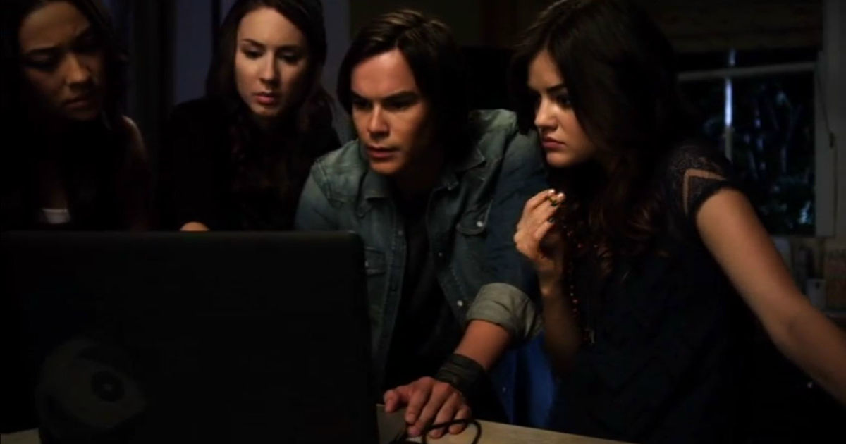 Pretty Little Liars - 9 Times Caleb Was A Complete Hero And Helped The Liars Without Knowing Why! - 1001