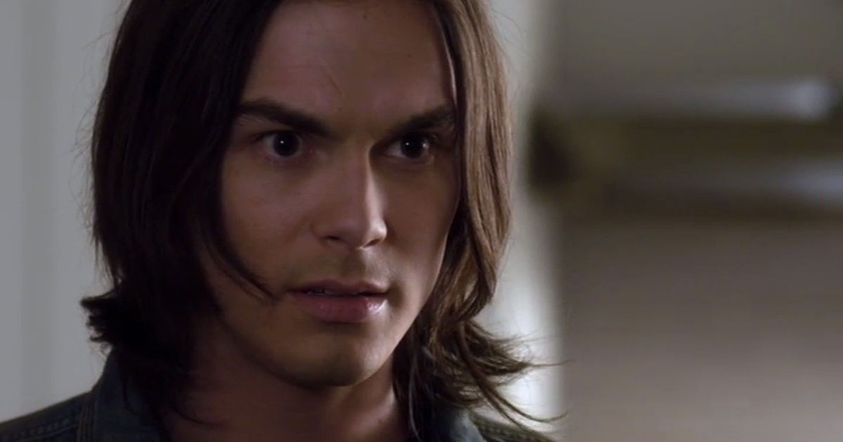 Pretty Little Liars - 12 Times The Liars Weren't The Only Ones Who Fell For The PLL Boys In Season 2 - 1001