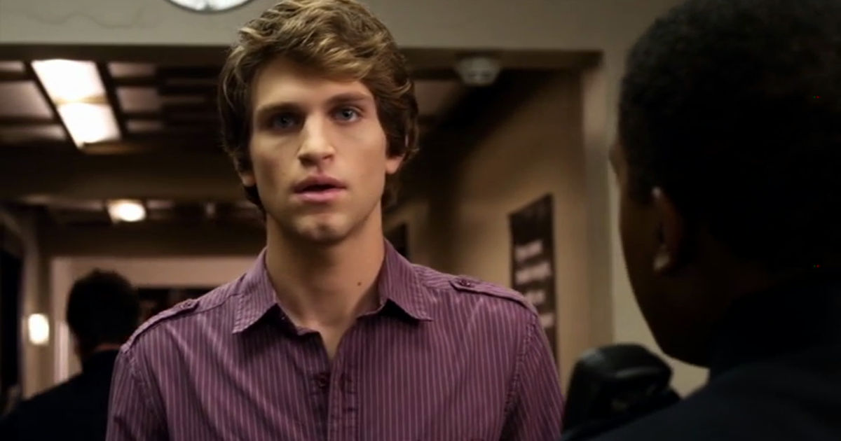 Pretty Little Liars - 12 Times The Liars Weren't The Only Ones Who Fell For The PLL Boys In Season 2 - 1010