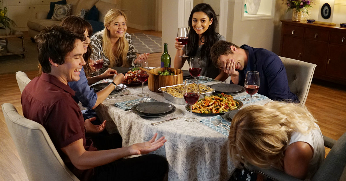 Pretty Little Liars - Submit Your Questions For Your Favorite Liars! - 1003