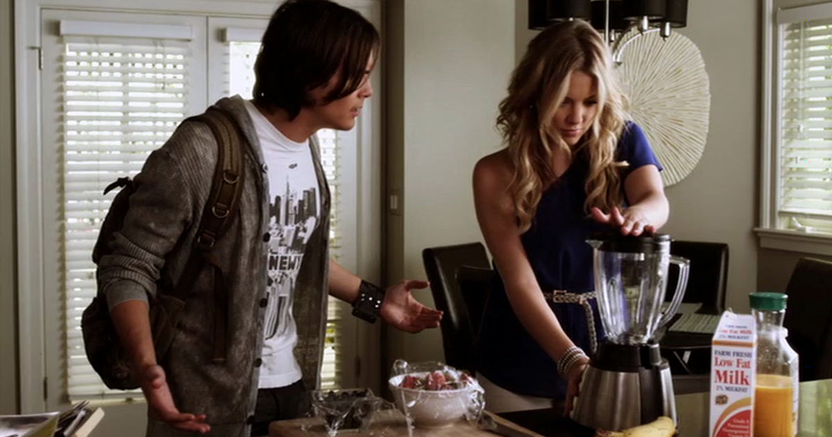 Pretty Little Liars - 8 Reasons We'd LOVE To Be Related to Hanna Marin! - 1008