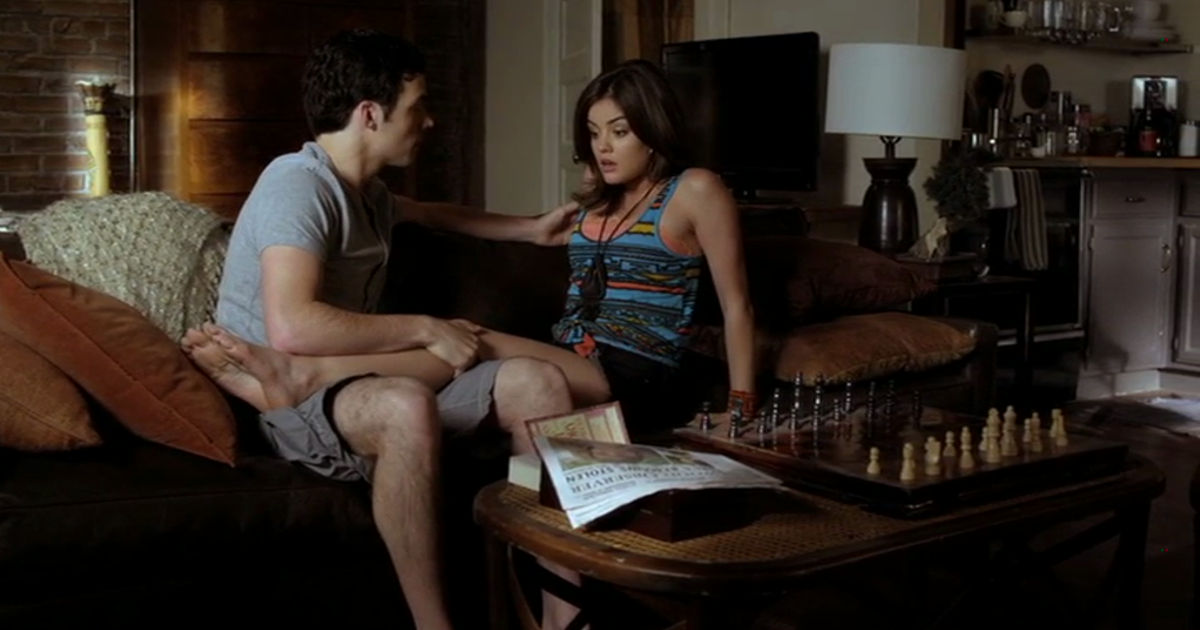 Pretty Little Liars - 9 Ways Mona Being Unmasked Affected The Liars At The Start Of Season 3 - 1005