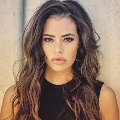 Pretty Little Liars - Chloe Bridges