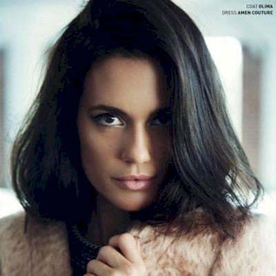 Pretty Little Liars - Torrey DeVitto