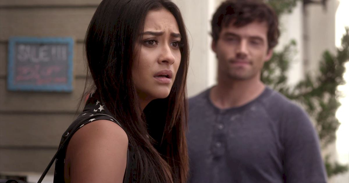 Pretty Little Liars - 14 Things You Might Have Missed From Episode 18! - 1005