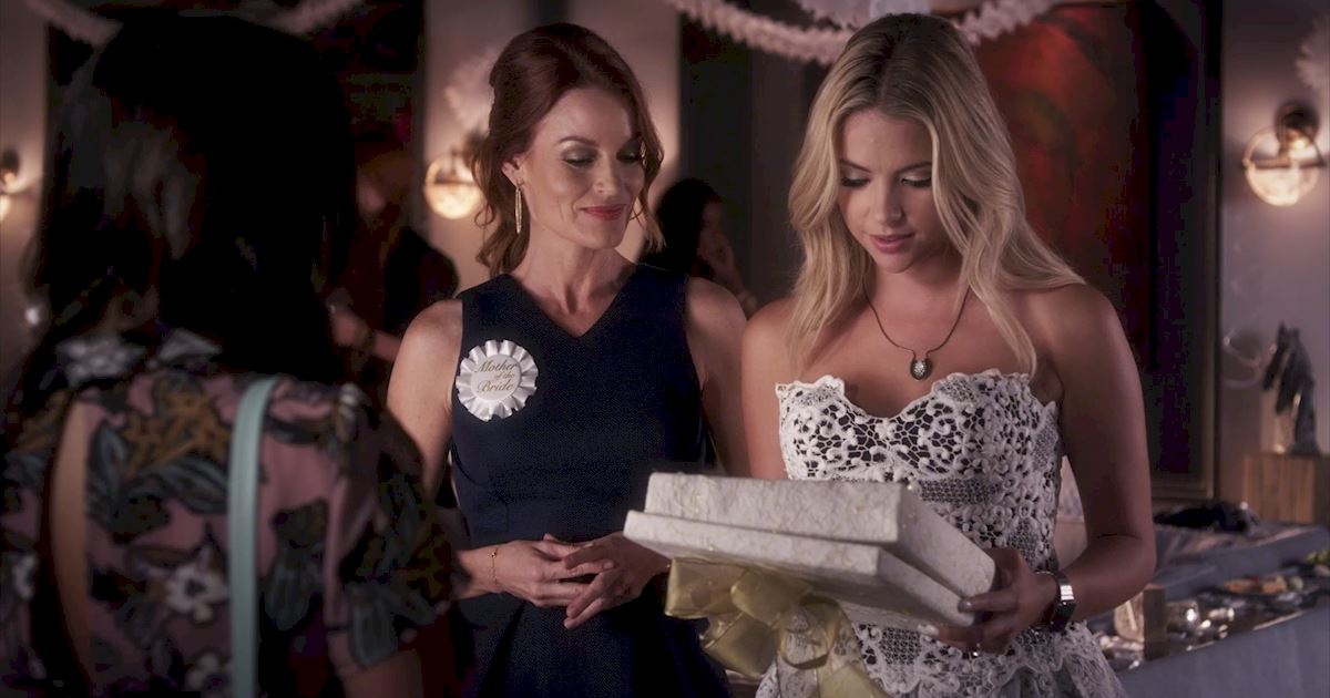 Pretty Little Liars - 14 Things You Might Have Missed From Episode 18! - 1003