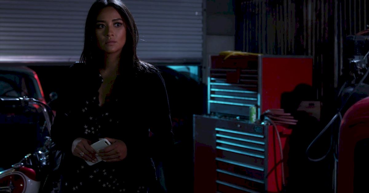Pretty Little Liars - 19 Amazing Things We Learned From Episode 18  - 1010