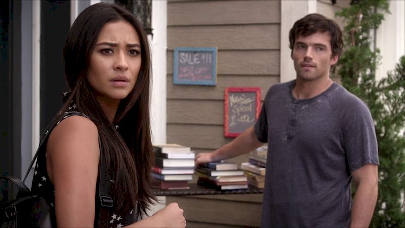 "Pretty Little Liars - Episode 18 Sneak Peek - ""Have You Heard That Noise Before?"" - Thumb"