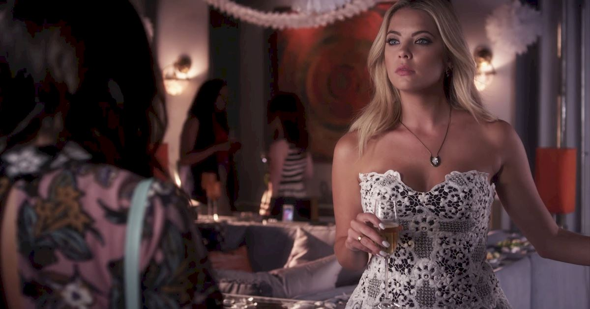 Pretty Little Liars - 3 Times We All Had PLL Wardrobe Envy In Episode 18! - 1004