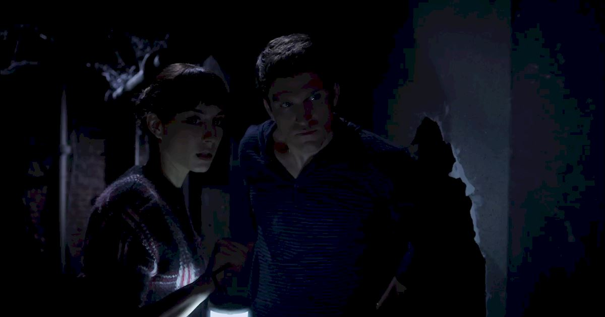 Pretty Little Liars - Exclusive Finale Video: Someone's Hot On Spoby's Heels...But Who?! - 1006