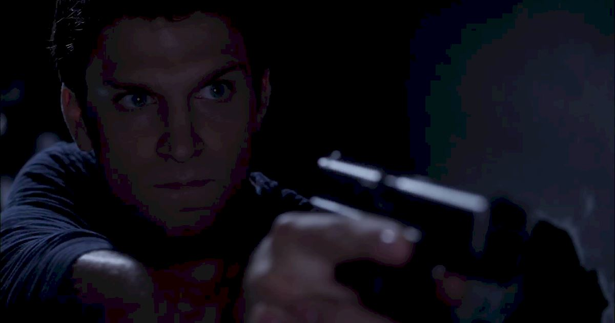 Pretty Little Liars - Exclusive Finale Video: Someone's Hot On Spoby's Heels...But Who?! - 1009