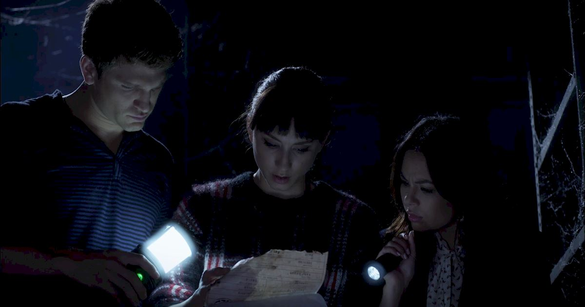 Pretty Little Liars - 22 Shocking Things We Learned From The PLL Finale! - 1016