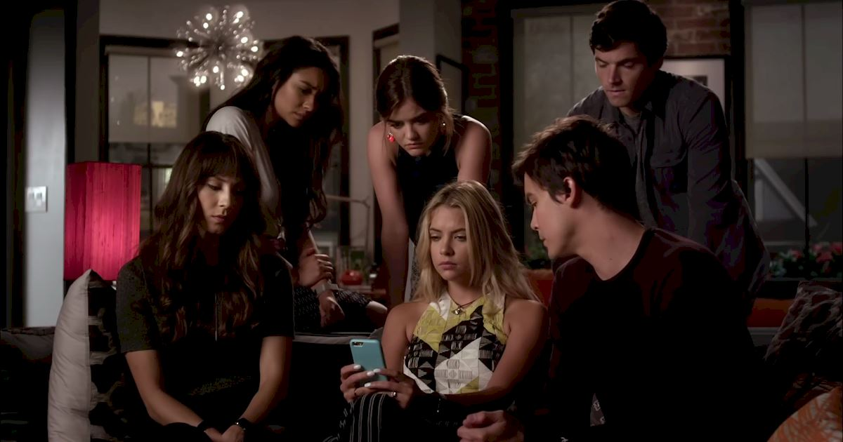 Pretty Little Liars - Finale Sneak Peek: This Is Between Hanna and Uber A... - 1014