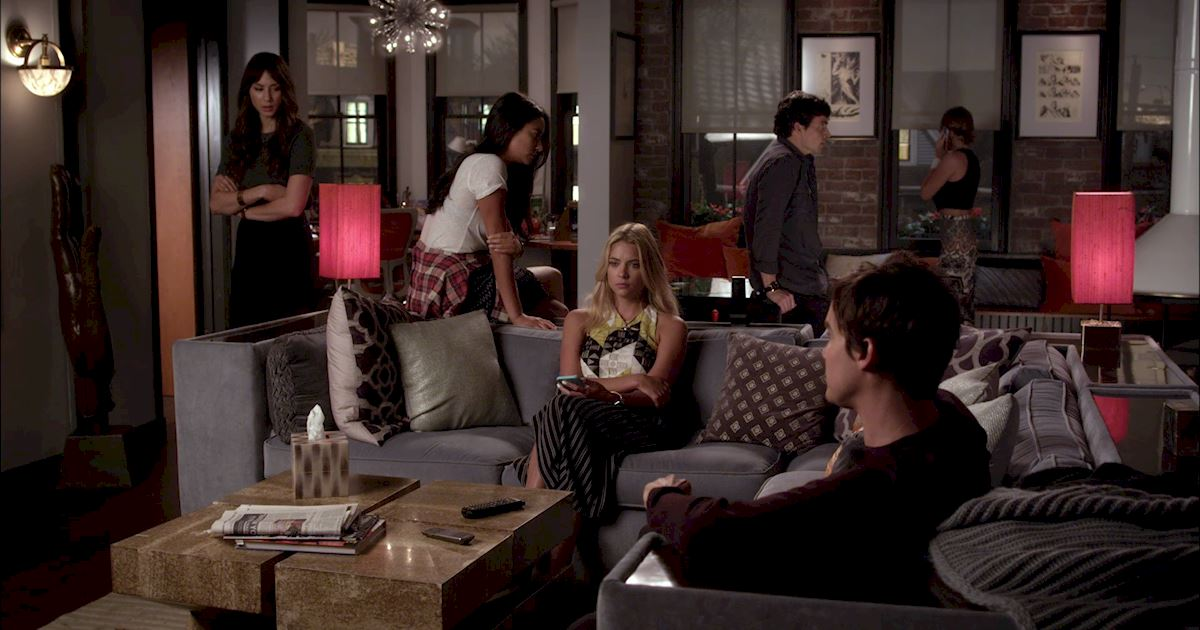 Pretty Little Liars - Your Official Finale Recap For Episode 20: Hush...Hush, Sweet Liars - 1002