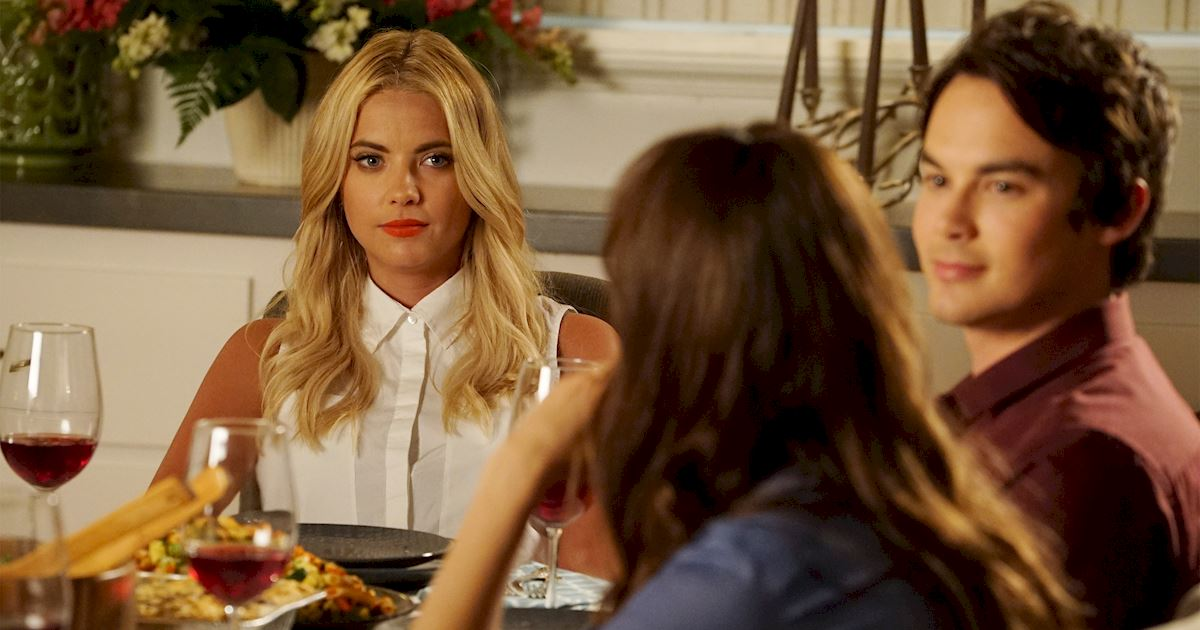 Pretty Little Liars - 14 Things You Can Do Now That PLL Isn't Airing Each Week  - 1011