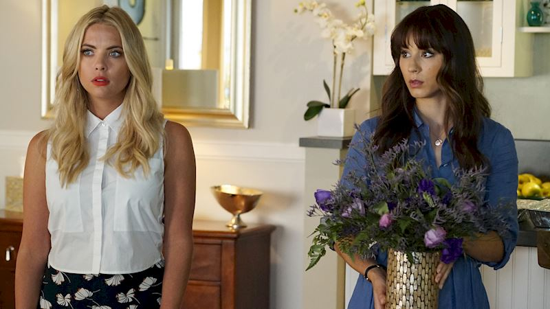 Pretty Little Liars - 20 Things We All Want To See Happen In Season 7 - Thumb