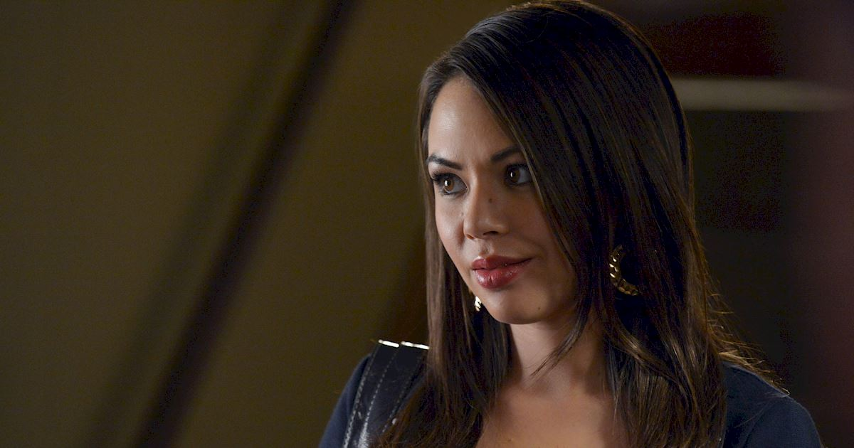 Pretty Little Liars - The Changing Faces Of Mona Vanderwaal - 1009