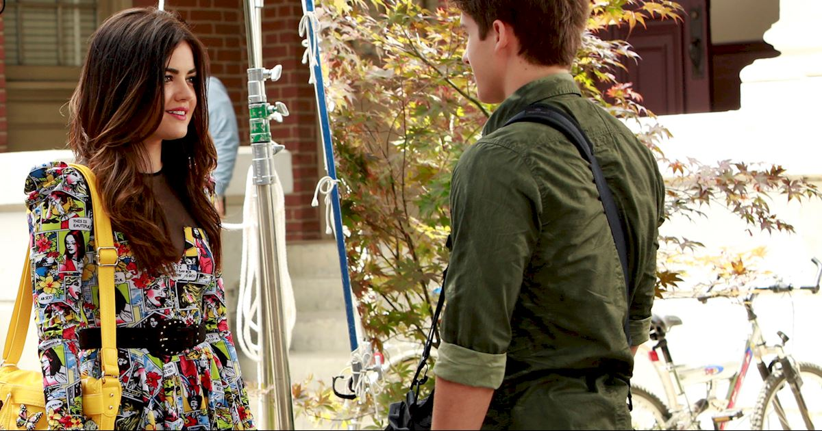 Pretty Little Liars - Aria Montgomery's Fashion Evolution! - 1007